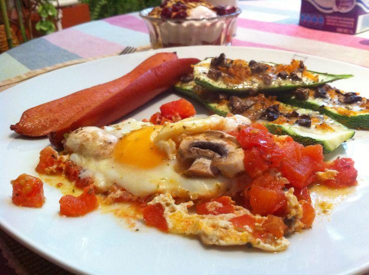 Huevo a la mexicana y algo más