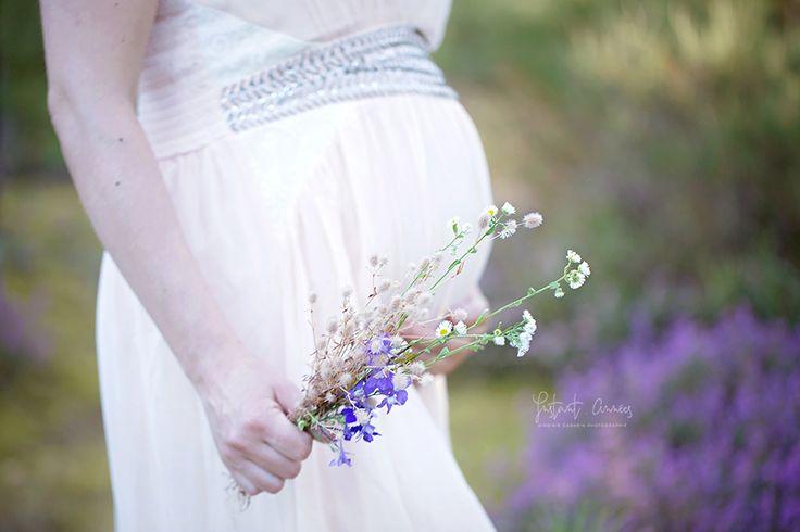 seance maternité exterieur Lovely Maternity studio instant.années. inspiration boho chic, details bouquet