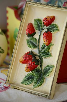 Strawberry Kitchen Theme | vintage strawberry wall plaque made in japan you gotta love