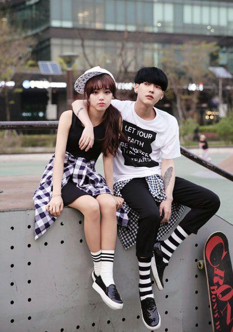 Giày cặp cho tình nhân là ý tưởng tuyệt vời cho đôi tình nhân dạo phố trong ngày lễ Valentine- Ảnh 2