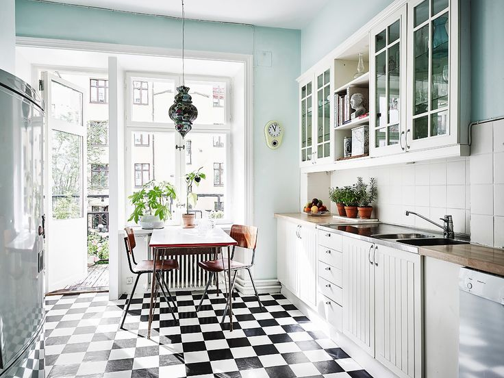 The Freshest Color Combination of 2017: Mint & Black