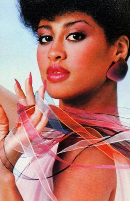 Phyllis Hyman #Black #History #Culture  (An amazing singer who died too soon....R)