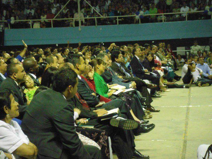 IDMJI-Estudio Biblico en Coliseo. http://idmji.org/