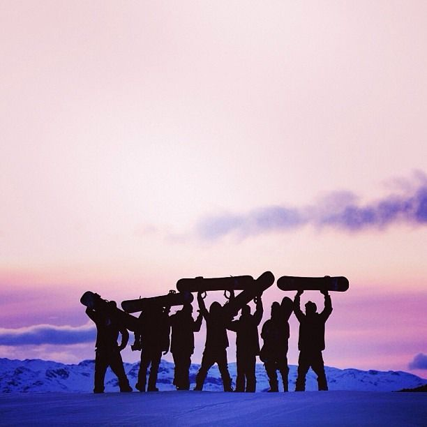 I know a lot of people that used to ski, but I don't know anyone who used to snowboard. #snowboard