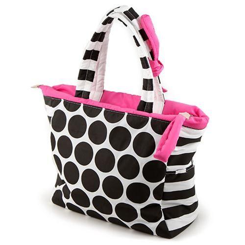 BORSA TIFFANY  -  Allegra borsa in tessuto tecnico bianco a pois neri. Zip e fiocco fucsia. Chiusura con zip, taschina interna e taschina con zip.
