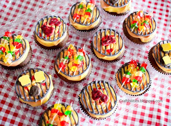 BBQ cupcake TUTORIAL - Mini BBQ GRILL tops! SO SUPER CUTE!