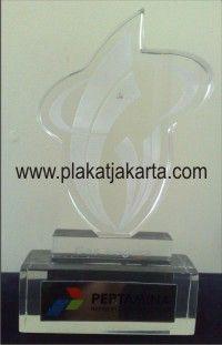 Pusat pembuatan  plakat akrilik , Kami ada di Jakarta Selatan Telp   0852 1810 3535  . Bidang memproduksi {membuat} berbagai macam plakat/ plakat penghargaan/ plakat award untuk segala event yang akan anda laksanakan, baik acara formal maupun informal di lingkungan dinas pemerintahan, perkantoran swasta, bahkan sampai acara keluarga.