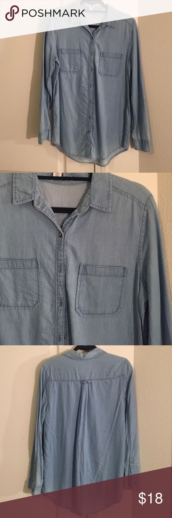 Denim long sleeved top Worn twice. Cute flowy denim top. Bought at Nordstrom. Would look adorable with white pants! Sleeve cuffs roll up and button! abound Tops Tees - Long Sleeve