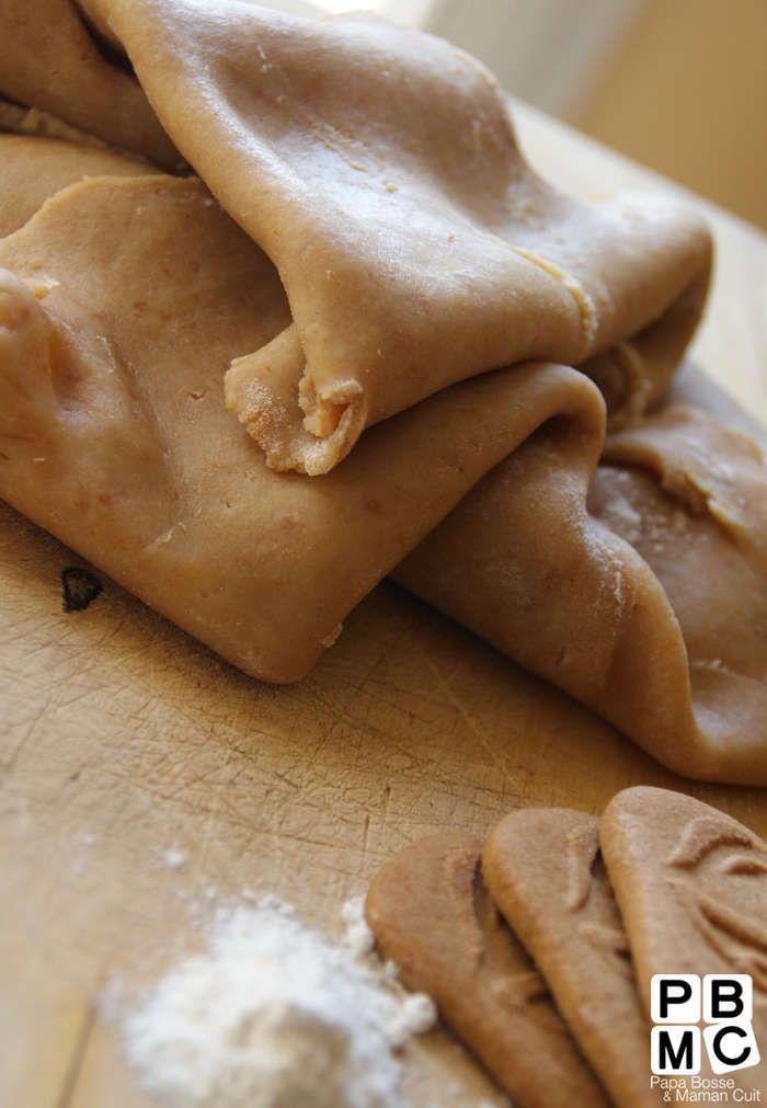 pate brisée aux spéculoos : 8 spéculoos 220g de farine 100g de beurre ramolli ou en morceaux 5 cl d'eau une pincée de sel