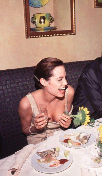 Дата: 13 сентября 1998 | Место: Лос-Анджелес, США  Событие: вечеринка после 50-й церемонии вручения наград премии «Эмми»