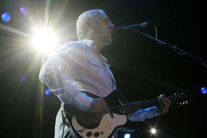 Марк Нопфлер отменил гастроли в России по политическим причинам