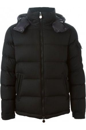 Moncler Montgenevre padded Zwart jas. Zwarte wol en veren van Moncler voorzien van een trechter nek, een afneembare capuchon, een voorste zip vastmaken, lange mouwen, donsjack 'Montgenevre' padded elastisch manchetten, een gewatteerd effect en een rechte zoom.