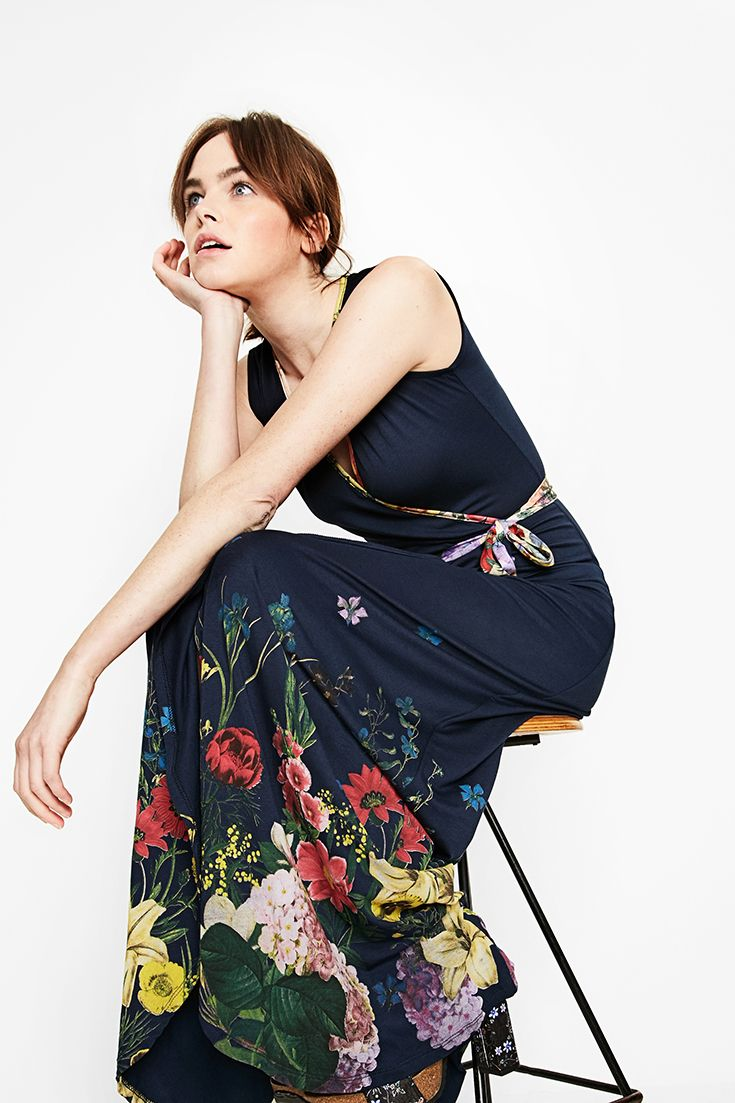 Desigual floral-print dress with a crossover neckline. Discover all Desigual collection!