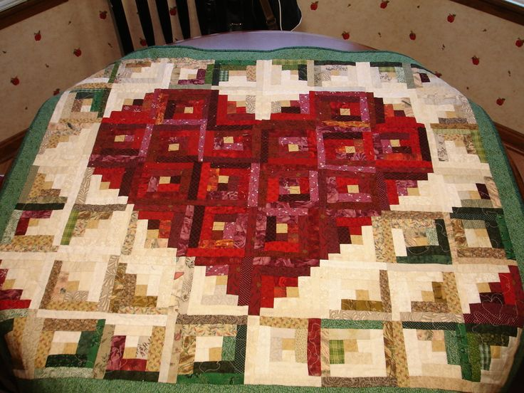 My Valentine Log Cabin quilt ~ Love the layout! <3