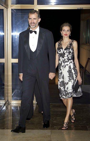 (L-R) Spanish King Felipe VI and Queen Letizia attend a dinner in honour of the 'Mariano de Cavia', 'Luca de Tena' and 'Mingote' awards winners at Casa de ABC on 03.10.2014 in Madrid, Spain.