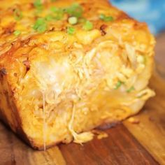 Buffalo Chicken Pull-Apart Bread⠀ INGREDIENTS:⠀ 2 packages pizza dough⠀ 2 cups chicken, cooked and shredded or diced⠀ 1 cup Buffalo sauce⠀ ¼ cup scallions, chopped⠀ 2 ½ cups shredded pepper jack cheese⠀ ½ cup unsalted butter, melted⠀ 1 jalapeño, sliced (optional)⠀ Ranch dressing for dipping (optional)⠀ STEPS:⠀ Preheat oven to 350ºF.⠀ Roll out dough and cut into 3x3-inch squares (3 rows of 5). You should end up with 15 squares from of each roll.⠀ In a bowl, toss together shredded chicken…