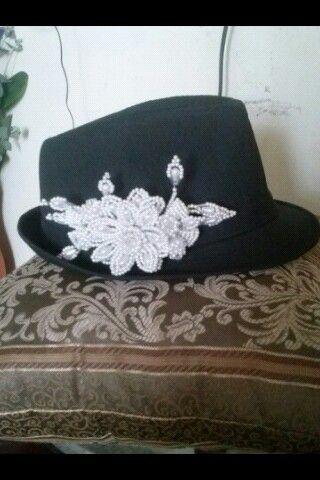 Sombrero con flores de tenbleques