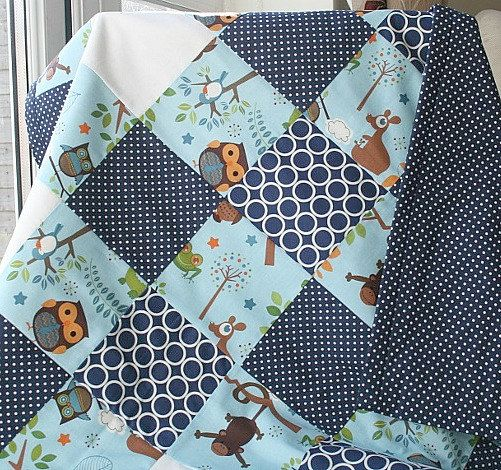 Navy Crib Quilt Baby Boy Bedding Boy Patchwork par LittleCottonShop