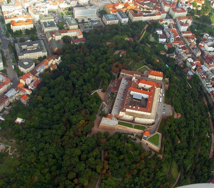 Naše město, náš hrad a mnoho dalšího! http://www.impresio.eu/zazitek/vyhlidkovy-let-brno