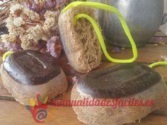 Ingredientes:      -Base de jabón de glicerina transparente      -Café molido      - 1 Pomelo      - Esponja natural o lufa      -Aceite de almendras, coco u oliva      -escencias naturales      La base de jabón de glicerina la encuentras en nuestra tienda online ...