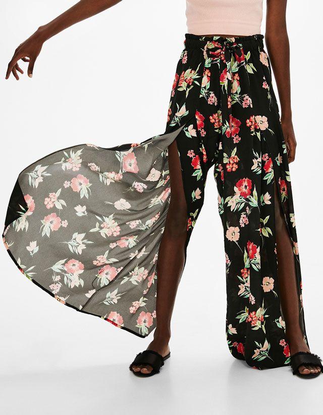 Estrena outfit con las novedades en moda de mujer SS 2017 de Bershka. Lo último en vestidos, tops, blusas, chaquetas, zapatos o bolsos para un look de diez.