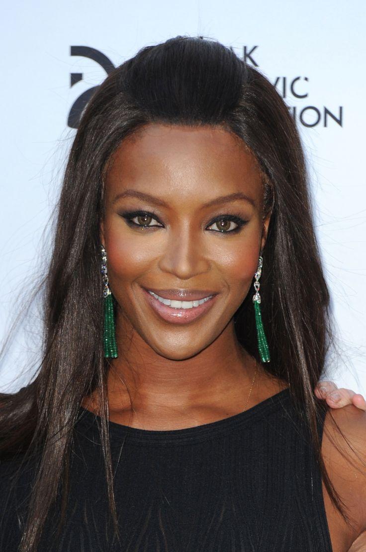 Naomi Campbell e um exemplo de maquiagem perfeita para a pele negra