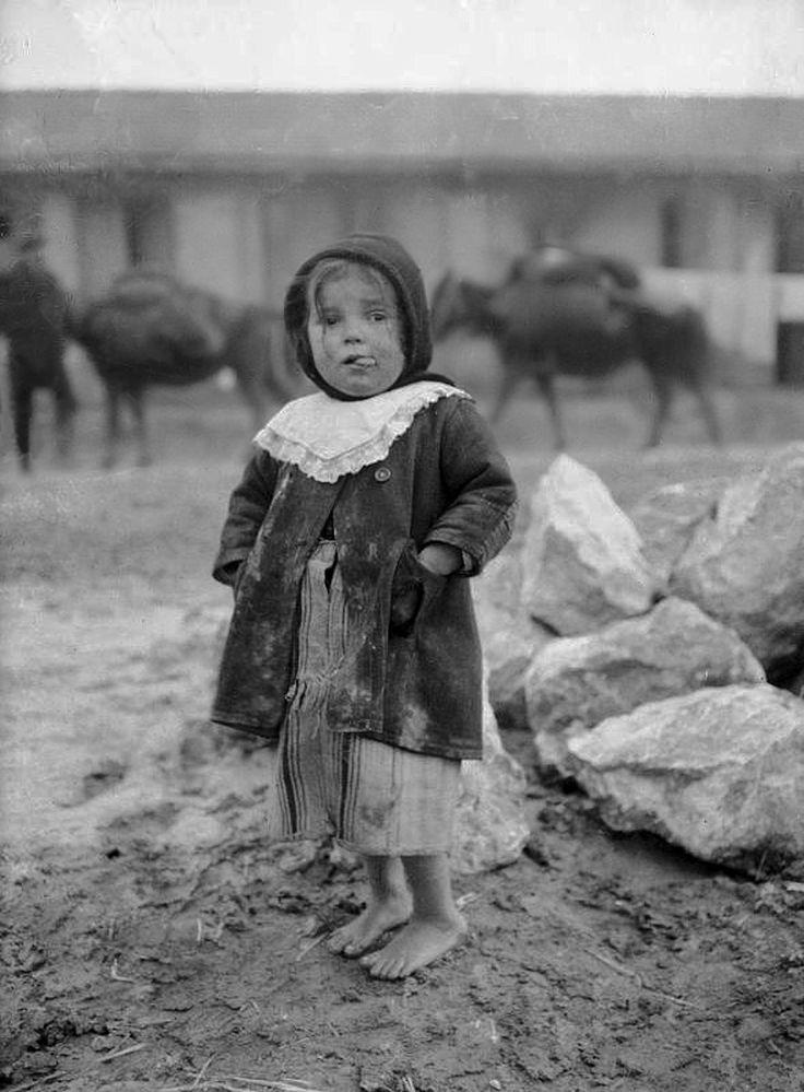 Προσφυγόπουλο - Ιανουάριος 1917. Φωτογραφία του Ariel Varges