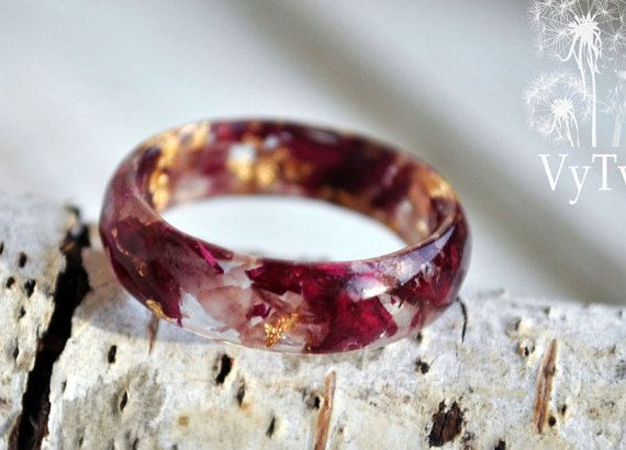 Eco resin ring with burgundy rose petals and gold flakes Making my rings I use only natural materials: routs of plants, flowers, leaves, elements of trees, moss, natural coloring matter etc.   I create rings for women that love natural style. Rings of plants keep nature's soul and underline women's tiffany natures.  All of the adornments are created in a positive soul move. Size:3, 4, 5, 6, 7, 8, 9, 10, 11, 12. 13, 14  Material: Eco resin Custom orders are welcome.  If you have any…
