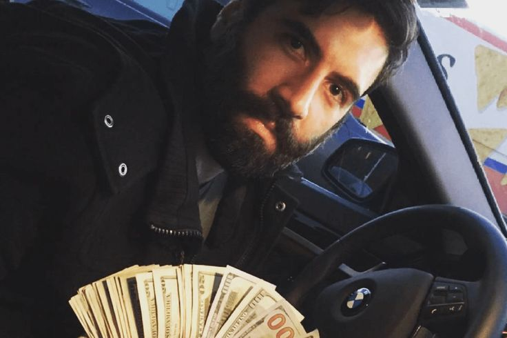 """""""I always carry huge stacks of money."""" Oh, Mom gives you a weekly allowance? Roosh V/Instagram"""