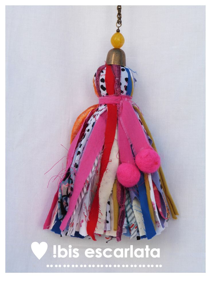 Borla de lana- Diseño- Color by Ibis Escarlata.                                                                                                                                                     Más