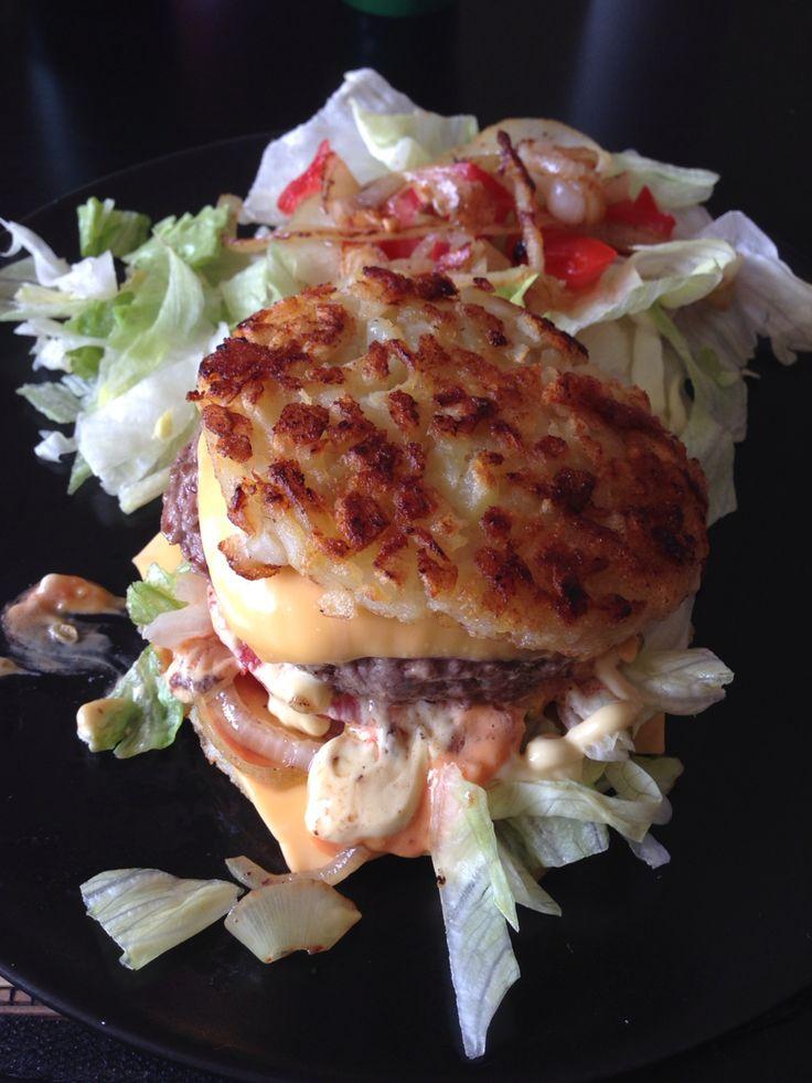Hamburger sans gluten Les galettes de pomme de terre remplacent parfaitement bien le pain.  Un vrai délice et surtout très simple à faire !!