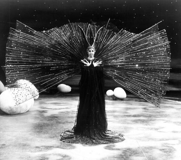 Beverly Sills as Queen of the Night in the Magic Flute (Mozart) | #opera #costume