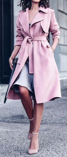 blush purple trench gray dress underneath, black bag, short tousled wavy hair, pointed nude pumps fashion