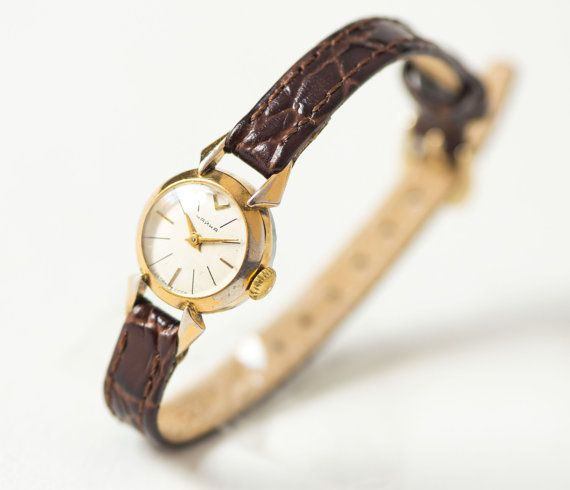 Very small lady 39 s watch gold plated women 39 s watch seagull watch petite shockproof watch her for Small size womans watch