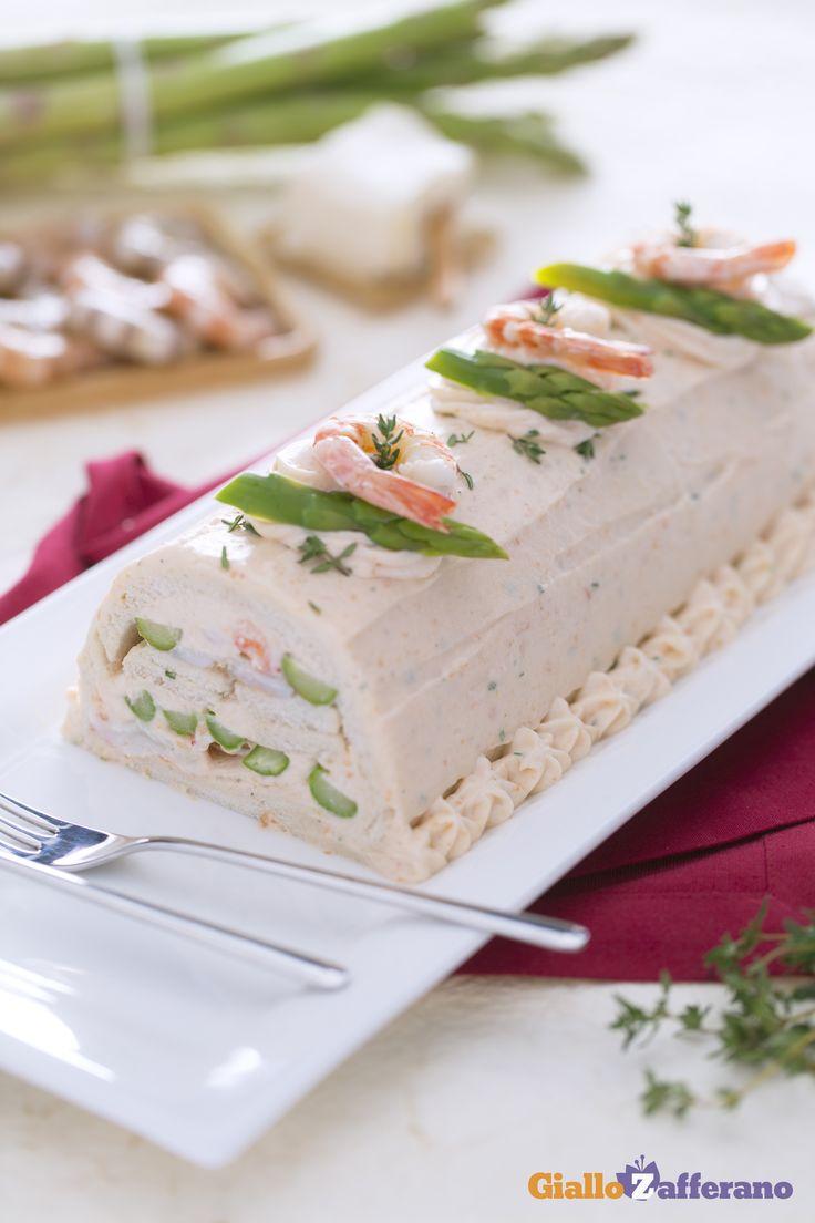 Tronchetto salato con mousse di salmone asparagi e mazzancolle