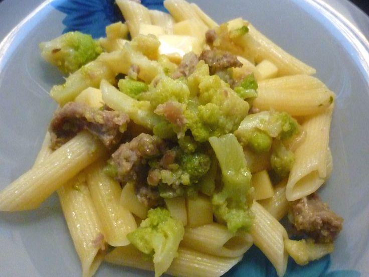Un piatto ricco e completo che vede come protagonisti, due ingredienti vincenti: il #broccolo romanesco e la #salsiccia di #Norcia. La perfezione? A piacere, una leggera gratinatura al forno! Sublime!