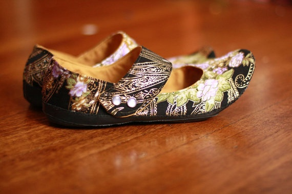 satin Black, Lilac & Gold shoes by uku2 on Etsy.com