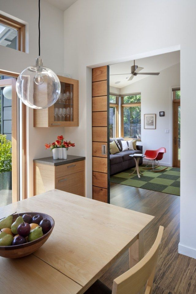 Schiebetüren innenbereich holz wand integriert küche wohnbereich