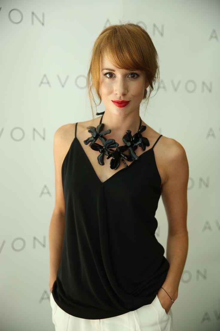 Táňa Pauhofová sa stala tvárou kolekcie kozmetiky od AVONU | Egoodwill.sk