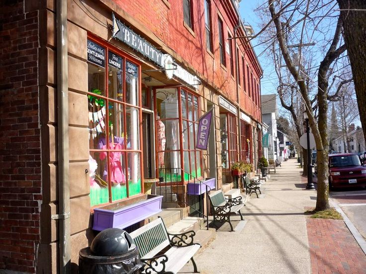 Wickford Village (North Kingstown) RI. http://visitingnewengland.com/Wickford-Village-RI.html: Rhode Island, Restaurant, Historical Building