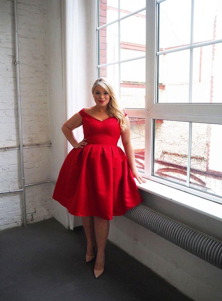 pin von laura zaracho auf beautiful plus size fashion kleider fuer