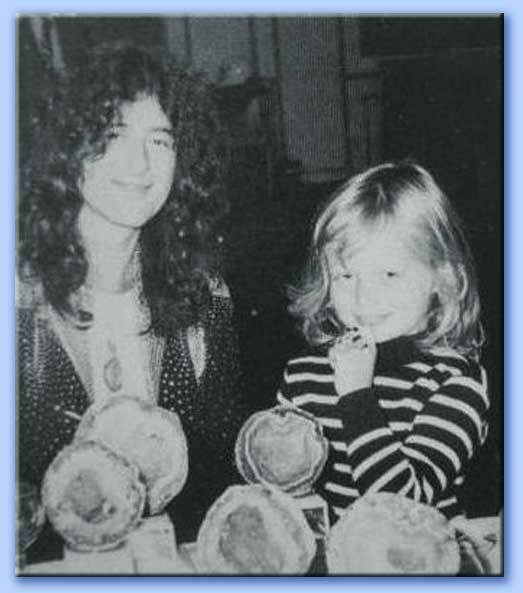 Jimmy Page and daughter Scarlet Page in 1974 at the British Music Awards.