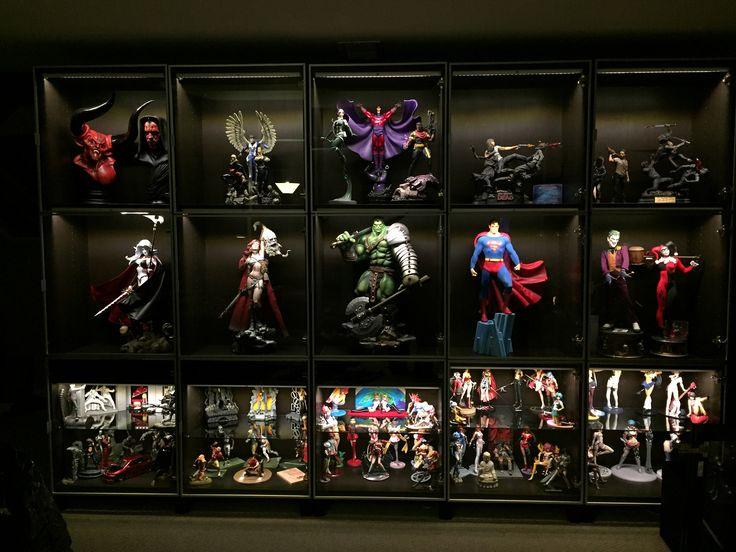 213 best hot toys images on pinterest catgirl catwoman for Hot toys display case ikea
