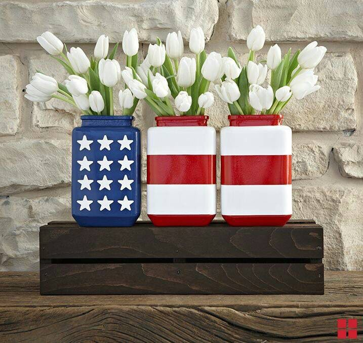 Flag jars filled with flowers! What a fun and classy way to show some patriotic pride in your décor.