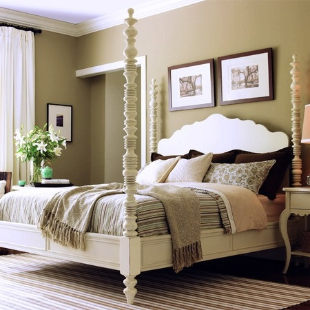 BEAUTIFUL BED!!! love 4 poster beds!