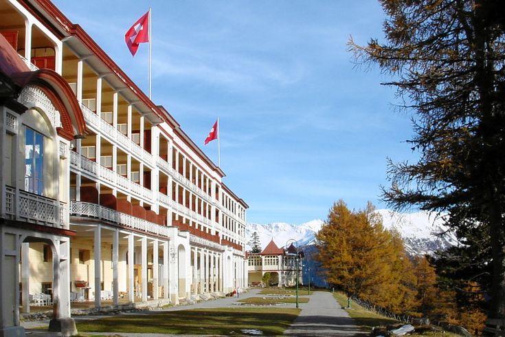 Hotel Schatzalp Davos - the most spectacularly situated Davos Hotel - Das schoenstgelegene Hotel in Davos - Davos Hotels