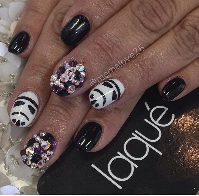 Droids and cherry blossoms instead of rhinestones