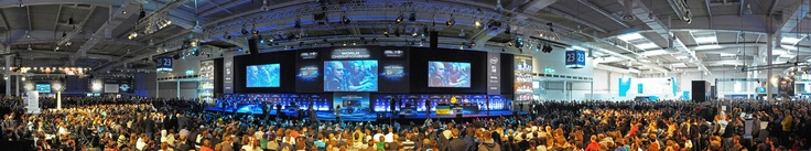 another awesome picture of the fans watching sc2, lol and cs during the IEM championship @ cebit 2012