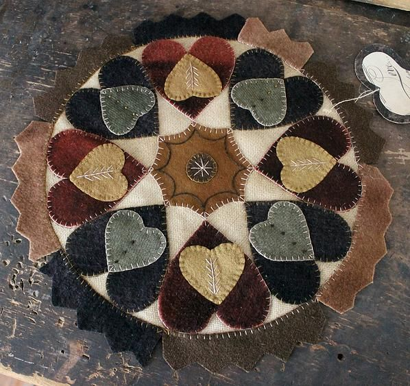 """Wooly Mat of Hearts 13"""" diam."""