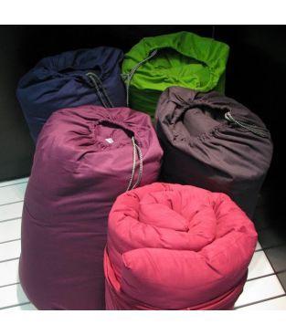 Futon de Voyage + sac marin coton cardé. Idéal en lit d' appoint ....se range facilement grâce à son sac marin. 30 coloris au choix